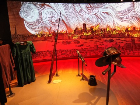 fire-fire-exhibition-dress-up-and-projection