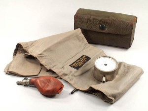 Sanborn Cuff Sphygmomanometer (1900-1930). Museum of Health Care #1972.18.28 a-d