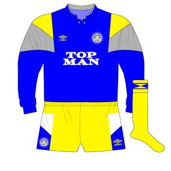1989-1991-Leeds-United-blue-goalkeeper-kit-Mervyn-Day-Shelbourne-Tolka-Park