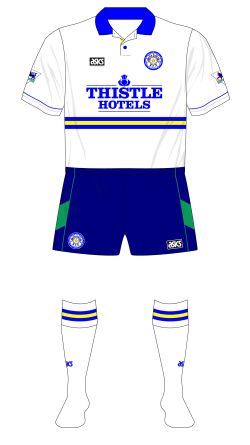 Leeds-United-1994-1995-asics-third-shorts-Manchester-United-01