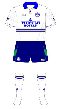 Leeds-United-1994-1995-asics-third-shorts-Manchester-United-01