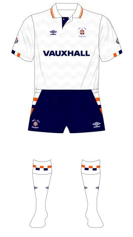 Luton-Town-1990-1991-Umbro-home-kit-Vauxhall-01