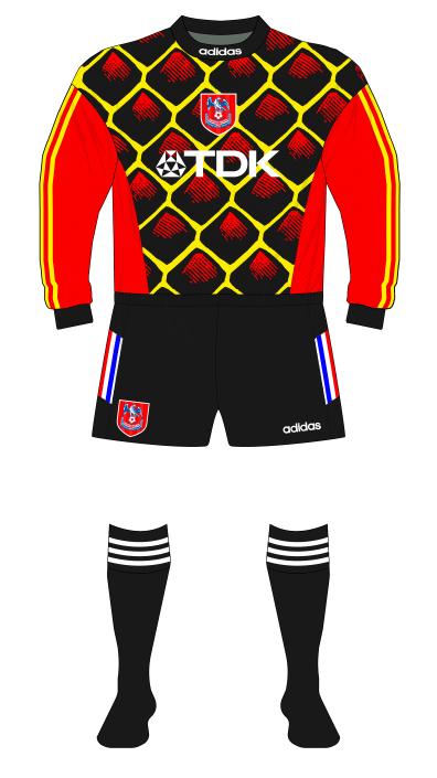 Crystal-Palace-1996-1997-adidas-goalkeeper-shirt-Kevin-Miller-01