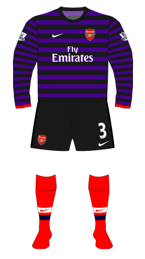 Arsenal-2012-2013-away-purple-kit-red-socks-Old-Trafford-01