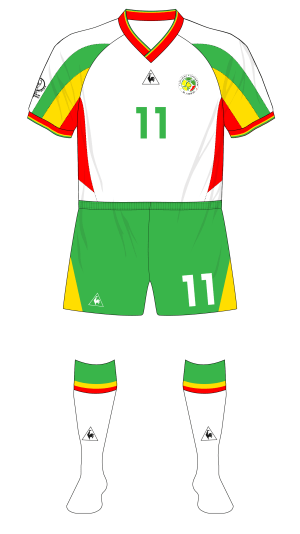 Senegal-2002-Le-Coq-Sportif-maillot-domicile-green-shorts-France-02