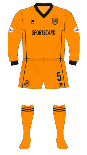Hull-City-2001-2002-Patrick-shirt-amber-shorts-01.png