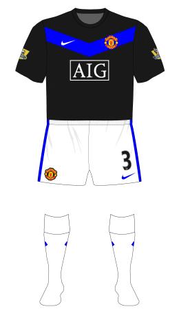 Manchester-United-2009-2010-Nike-away-white-shorts-socks-01