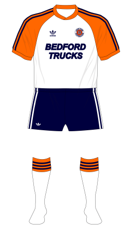 Luton-Town-1983-1984-adidas-home-navy-shorts-01