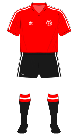 QPR-1979-1980-adidas-away-black-shorts-socks-01
