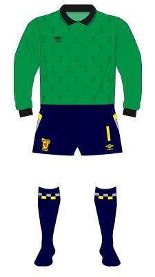 Scotland-1990-Umbro-goalkeeper-green-teamwear-Goram-Romania-01