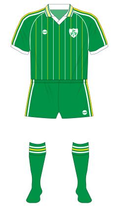 Republic-of-Ireland-1985-O'Neills-home-green-shorts-Italy-01