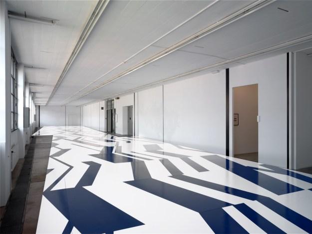 Karim Noureldin, Zigzag, 2005, Musée d'art moderne et contemporain MAMCO, Geneva.