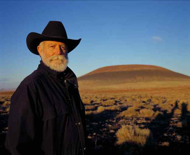 Turrell at Roden Crater lores_Holzherr