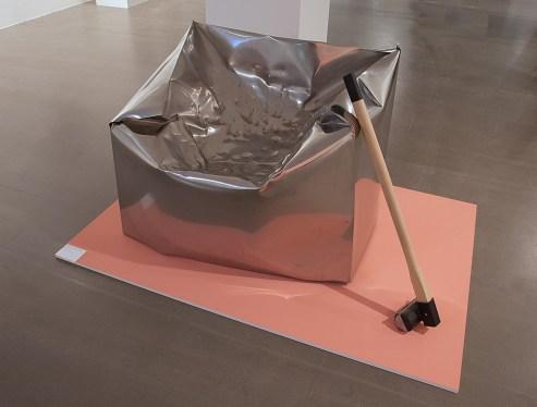"""Exhibition view: Marijn van der Poll, """"Do Hit"""", Photo: Hans Schröder/Marta Herford"""