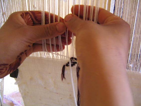 understanding how hand looms work