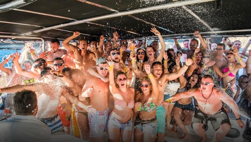 Fiestas en barco en Tenerife. Despedidas en catamaran
