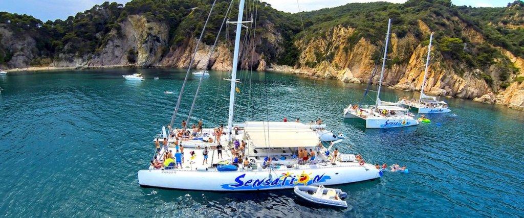 Fiestas en catamarán para despedidas de soltero en Barcelona