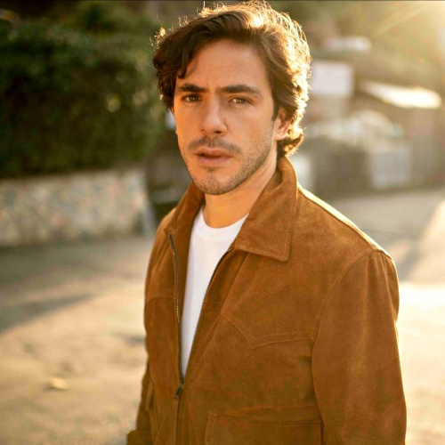 Jack Savoretti Heading For First Uk Number 1 With Singing To Strangers