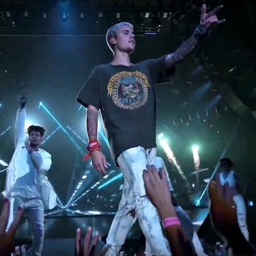 Justin-Bieber-voted-worst-celebrity-spectacle-wearer