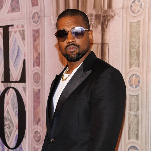 Kanye West Demands Apology From Drake In Twitter Rant