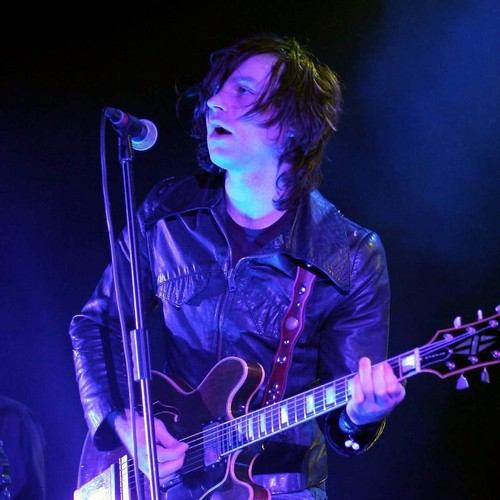 Ryan Adams' Guitarist Urges Rocker To 'get Help'