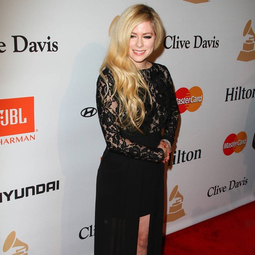 Avril Lavigne Stops Shawn Mendes' Juno Awards Sweep With Fan Choice Victory