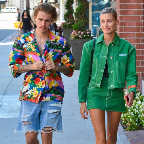 Justin Bieber Lashes Out At Hailey Baldwin Hater Online