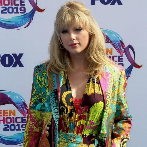 Taylor Swift Pokes Fun At Fan Theories Ahead Of Album Release