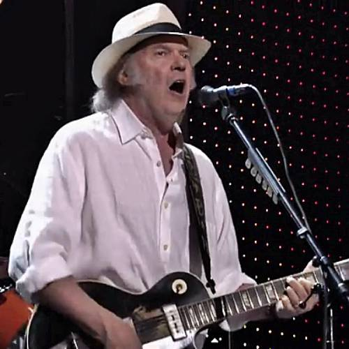 Neil Young Faces Having To Leave America While He Attempts To Obtain Us Citizenship