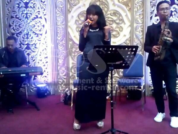 Sewa Organ Tunggal Saxophone Pernikahan di Gedung Pewayangan TMII