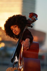 d-esperanza-spalding-photo-by-johann-sauty_8x10