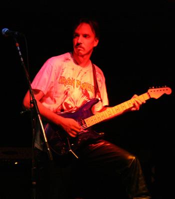 Randy Ellefson live