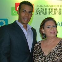 Inicia programa de variedades Socializando Con Mirna, es conducido por Mirna Pimentel en ONTV y Carivisión