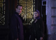 "Tom Hanks y Sidse Babett Knudsen en ""Inferno""."