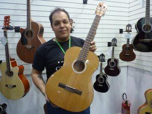 William Anseloni e o novo violão