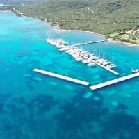 MINI presents Water World Music Festival - il concerto organizzato da LBNSK360 in Costa Smeralda, in mezzo al mare un palco galleggiante