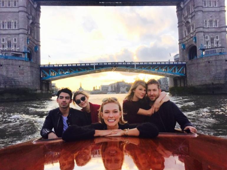 Taylor Swift e amigos, em Londres