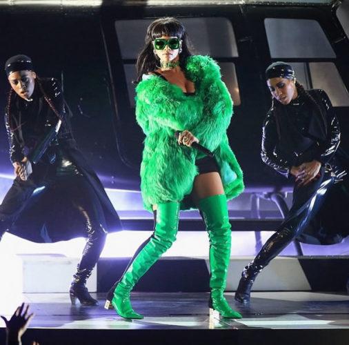 Rihanna-iHeartRadio-Music-Awards-BBHMM