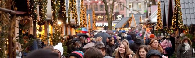 crowd_christmas