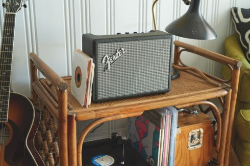 fender-brings-its-audio-expertise-to-the-wireless-world-with-monterey-and-newport-bluetooth-speakers7