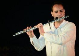 The microtonal flute: new sounds, different visions