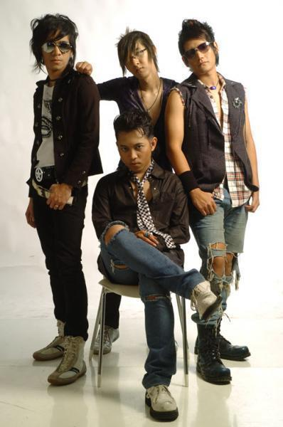 Madu Dan Racun Chord : racun, chord, Chord, Gitar, Lyrics, Rocks, Racun, Songs