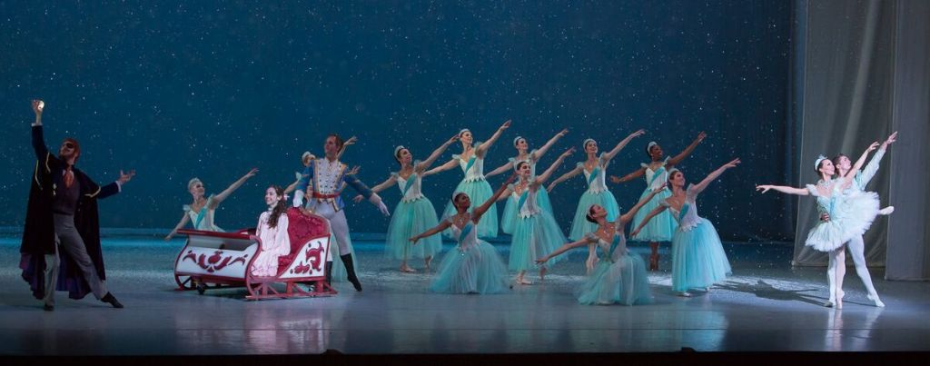 Nashville's Nutcracker Snow Scene Christmas Family Fun