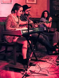 raya-songwriter-round-the-dayton-underground-series-6