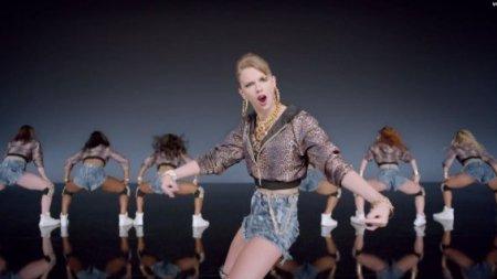 Taylor Swift - Shake It Off Music Video