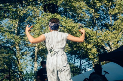 Andra Day at OZY Fusion Festival 2016 by Coen Rees