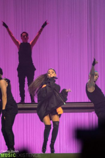 Ariana Grande-52