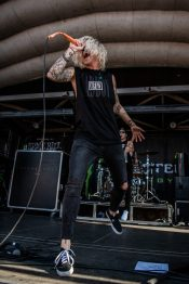 picsbydana-Music-Existence-Warped-Tour-Sleeping-With-Sirens-5
