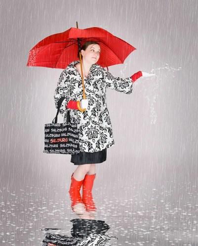 2010-10-17 132 Paula Muldoon umbrella