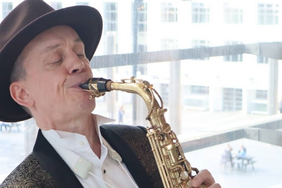 Hire Solo Saxophone Player in London